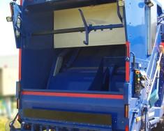 Śmieciarka NTM KGBH-2K zamknięta